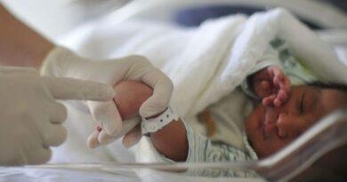 Bebê espanhol nasce com anticorpos contra o coronavírus.