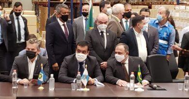 Em cerimônia em SP, Pazuello diz que vacinação contra a Covid-19 no país começa nesta segunda