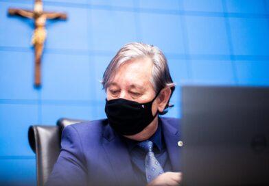 Antonio Vaz solicita reforma da EE José Alves Ribeiro em Rochedo