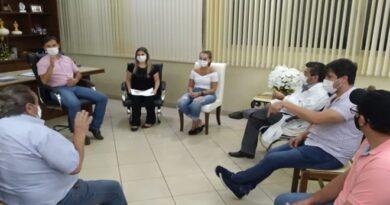 Paranaíba: Prefeito autoriza compra de 10 capacetes elmos para ala respiratória da Santa Casa de Misericórdia